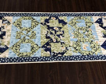 Floral Quilted Table Runner in Blue and Beige, Fabric Patchwork Centerpiece with Daisies
