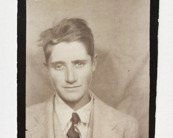 Original Vintage Photobooth Photograph | Freestyle Hair | 1940