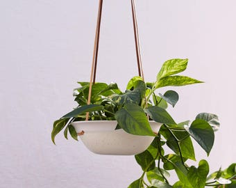 Ivory Speckle Porcelain Hanging Planter Porcelain and Veg Tan Leather //Ceramic Modern Home Decor for Your House Plant Collection