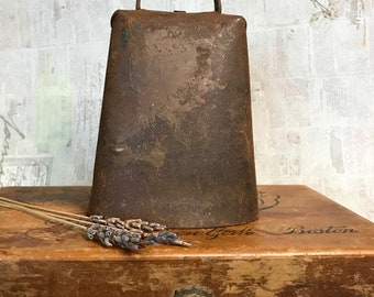 Primitive Metal COWBELL Rusted- Barn Farm House Chic- Large Cow Bell- Primitive Decor- Livestock Industrial Bell- E30
