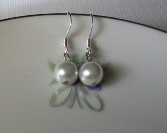 Simple Elegant Pearl Earrings Bridal Bridesmaid Gift