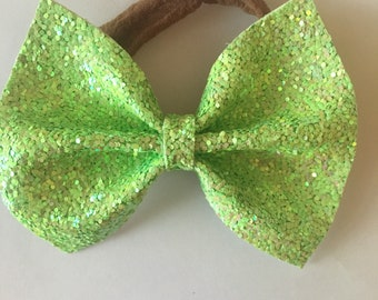 Sparkly green bow