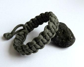 Mad Max paracord survival bracelet