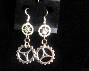 Silver toned Steampunk gear dangle earrings