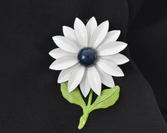 Brooch White Enamel Daisy with Blue Center and Green Leaves Vintage