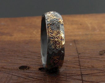 Rustic Black and Gold silver 5mm wedding band with rustic hammered surface.