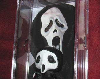 Scream Ghost Face Collectible 'mini 'figure Display! New/Great Gift or Adittion to a Horror Collection