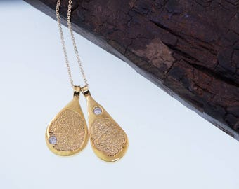 Teardrop Fingerprint Gold Charms With Stones