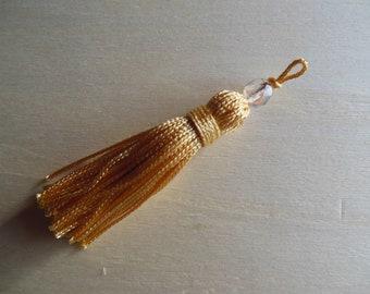 A Pearl tassel gold