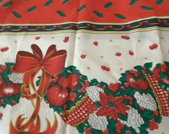 "Christmas Mistletoe 90 Cotton Fabric 58"" Wide 3/4 Yard"