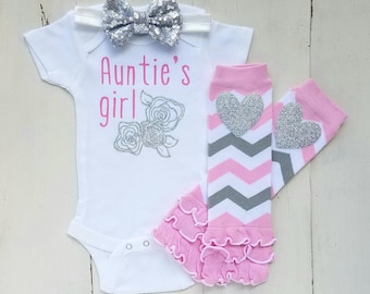 Auntie onesies, Baby girl clothes, Baby girl outfit, Aunt onesie, Auntie's girl, Baby shower gifts, Baby clothes, Baby onesies, Onesies