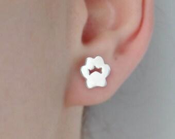Dog paw earrings / Cat paw earrings / Dog paw silver earrings / Cat paw silver earrings / Tiny earrings dog cat / Silver 925 stud dog cat