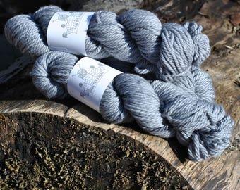 "CHUNKY: ""ASPHALT"" hand dyed yarn, handpainted yarn, superwash merino yarn,, bulky yarn, kettle dyed yarn, bulky"