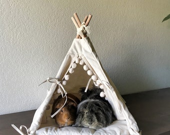 Guinea pig teepee with a matching pompom pad, guinea big bed, rat, chinchilla bed, small pet teepee, pet bed, pet tipi, teepee, tepee