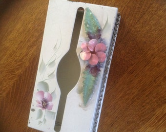 Vintage Tole Metal Tissue Box Cover Hand painted Dro-Art