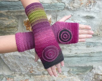 "Fingerless gloves crocheted ""Burgundy"" Green""- one size"