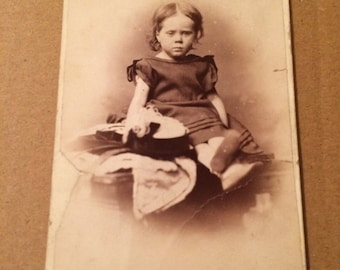 Victorian Carte de visite of a cute little girl