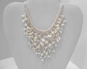 Vintage Beaded Bib Necklace (9976) Classic!!