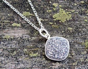 platinum druzy necklace, druzy drop necklace, druzy jewelry, silver druzy necklace, minimalist jewelry, minimalist necklace, silver jewelry