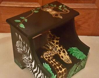 Peint personnalisé Safari Animal escabeau, escabeau en bois, tabouret d'étape chambre d'enfant, girafe chambre d'enfant, tabouret enfant en bas âge, banc, fabriqué à la main, à la main