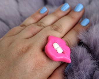 Mouth / Lips / Teeth Ring  {buckteeth / pop art / pink / kitschy / tooth jewelry}