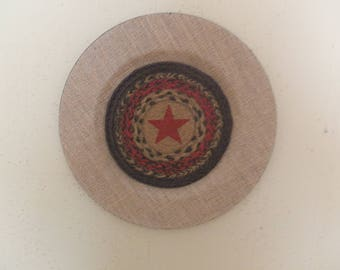 Burlap Covered Farmhouse Decor Wall Plate with Burgundy STAR in Center. NEW!