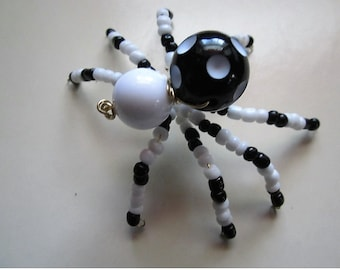 Spider Beaded. Black,White.