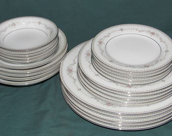 25 Pc Noritake FAIRMONT Dinner Set, Service for 5, Unused, Plates, Bowls, Fine China, Dinnerware, Table Setting, Dining,