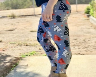 ONE Size Fits Adults Size 2-12 Tree Winter Leggings
