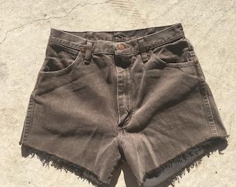 Vintage Wrangler Jean Shorts // Mom jean shorts