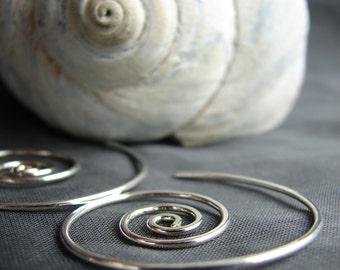 Spiral earrings / sterling silver earrings / hoop earrings / silver hoops / spiral hoops / everyday earrings / wind in earrings  / nautilus