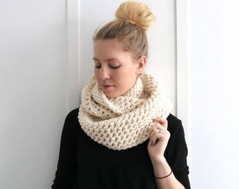 SALE I Chunky Knit Infinity Scarf | Fisherman