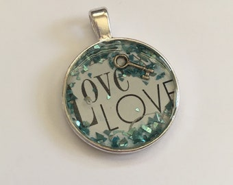 "Resin pendant ""love"""