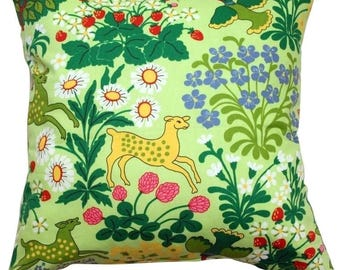 Pillow cover bright green yellow animals colorful Wood Forest Scandinavian Decorative pillow for Throw pillows Floor Cushions Accent Pillows