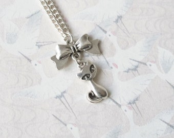 Cat necklace in silvery metal, cat jewelry, cat necklace, cat pendant, gift for her, children jewelry