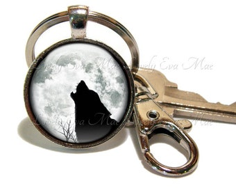 Wolf Keychain with Clip, Key Fob with Clasp, Wolf Howling Keychain, Howling at the Moon, Full Moon, Key Chain, Key Ring, Black and White