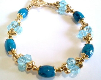 Blue Aquamarine Glass Bead Cluster Bracelet, Handmade Beaded Jewelry, Gold Findings
