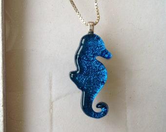 Seahorse pendant, seahorse necklace, turquoise seahorse pendant, seahorse, sea jewellery, seahorse jewellery, dichroic glass seahorse