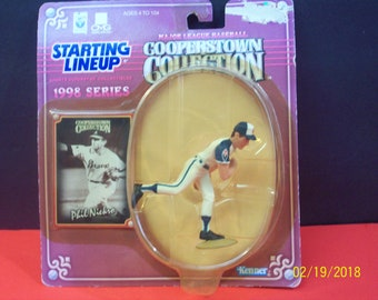 Phil Niekro MLB Baseball 1998 Cooperstown Starting Line Up Atlanta Braves Pitcher Action figure New on Badly Damaged Unopened Card