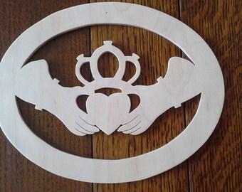claddagh - irish symbol