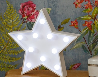 """Light Up Star Sign - 27cm (10.5"""") high, Illuminated Decorative White Wooden 3D Marquee Letters with LED Lights Wall Hanging or Freestanding"""