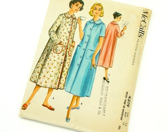 Vintage 1950s Womens Size 12 Robe or Housecoat McCalls Sewing Pattern 4319 Uncut Complete / bust 32 waist 25