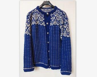 60s Norweigan Handmade Vintage Wool Cardigan // Size L
