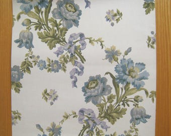 Vintage 20th C. French Floral Wallpaper (8914 )