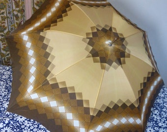 Brown and beige geometrical print umbrella with unusual leather wrist handle - French 60s vintage