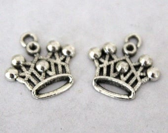 6 Silver Crown Charms/Pendants  S-046
