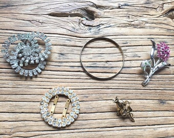 Vintage Broken Rhinestone Gold Tone Jewelry Lot, Jewelry Clearance, Jewelry Supply Lot, Craft Lot, Vintage Supplies, Costume Jewelry