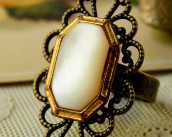 Vintage button ring / adjustable ring / button ring / repurposed jewelry / recycled ring / upcycled jewelry / pearl ring / vintage ring