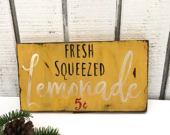 Fresh squeezed lemonade, Fresh Squeezed Lemonade,In STOCK, Will ship within 1-2 days,  wood sign, Distressed Decor, Farmhouse Decor