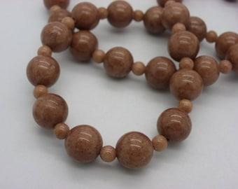 Necklace 10 mm camel, honey jade stone